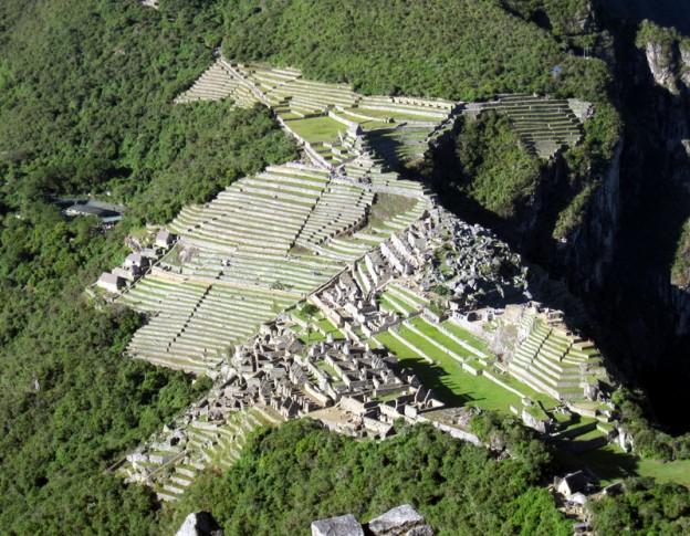 Machu Picchu (view from Huayna Picchu) - Dan - 800px
